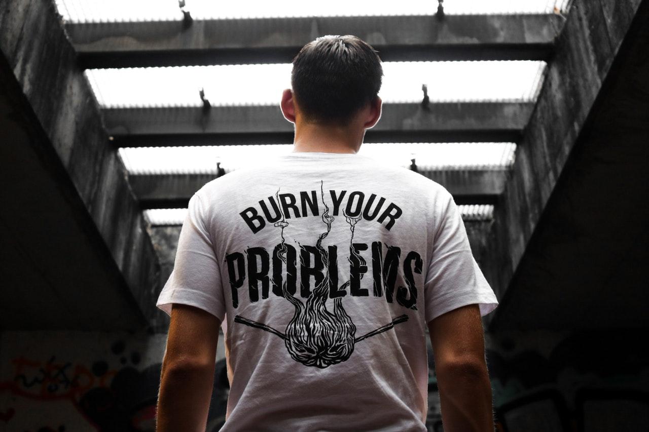 50685499ab Ganhe dinheiro criando estampas de camisetas • Designerd