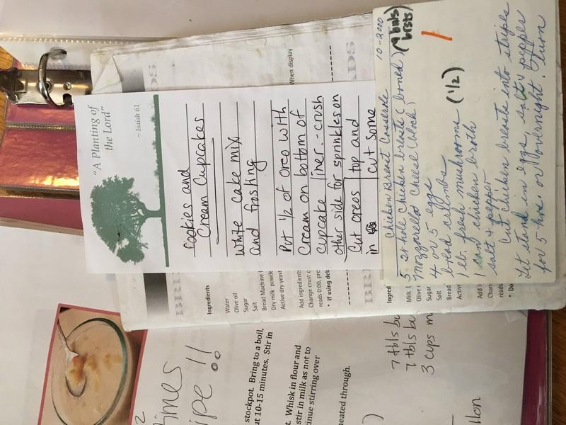 designer-recria-o-antigo-caderno-de-receitas-da-mae-e-o-resultado-e-incrivel-3