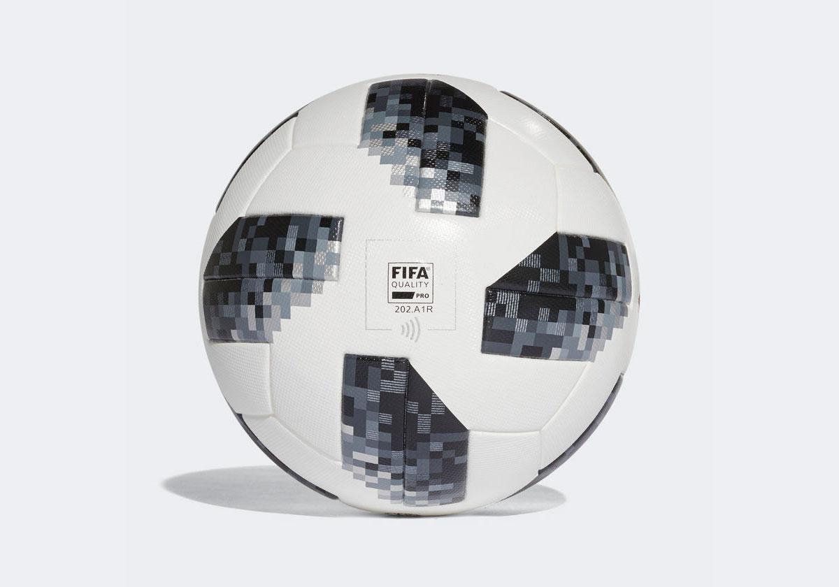 2b05fc772b foi um dos primeiros a experimentar a bola antes do lançamento oficial.